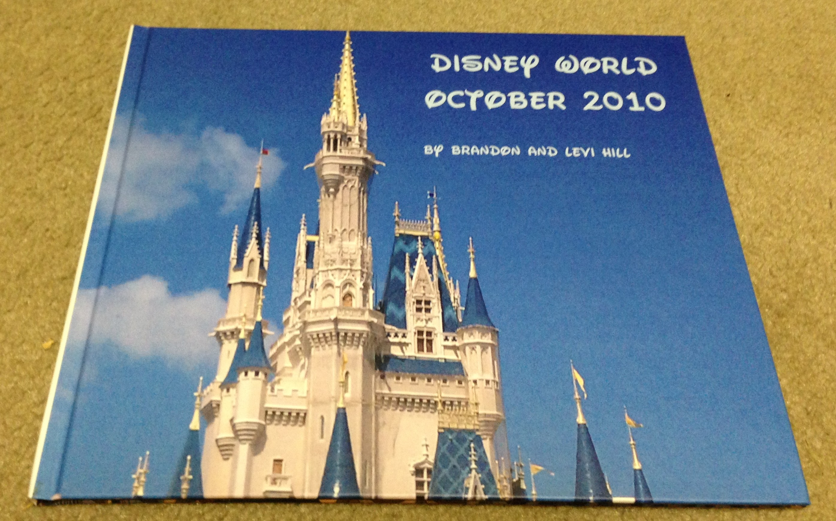How to scrapbook disney - Disney 2010 Digital Cover